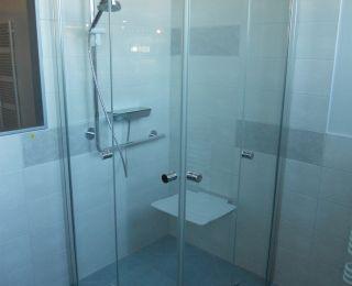 Ausstellung Reisinger Fohnsdorf – Bodengleiche Dusche mit Sitz